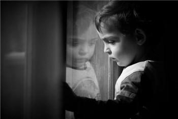 孩子不爱说话,不合群怎么回事?警惕儿童孤独症的发生